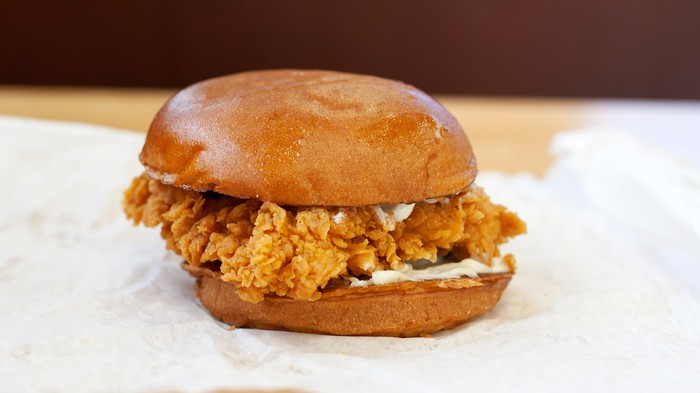 The Backlash to the Popeyes Chicken Sandwich Is Finally Here