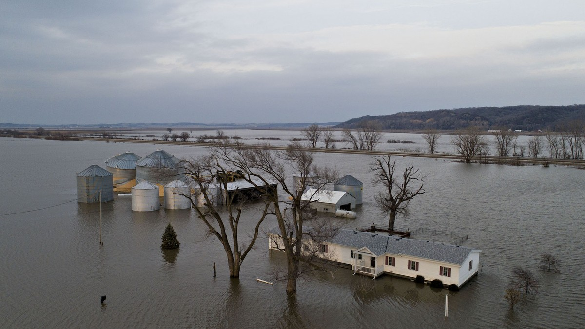 Floods Nearly Wiped This Iowa Town Off the Map. It May Never Come Back.