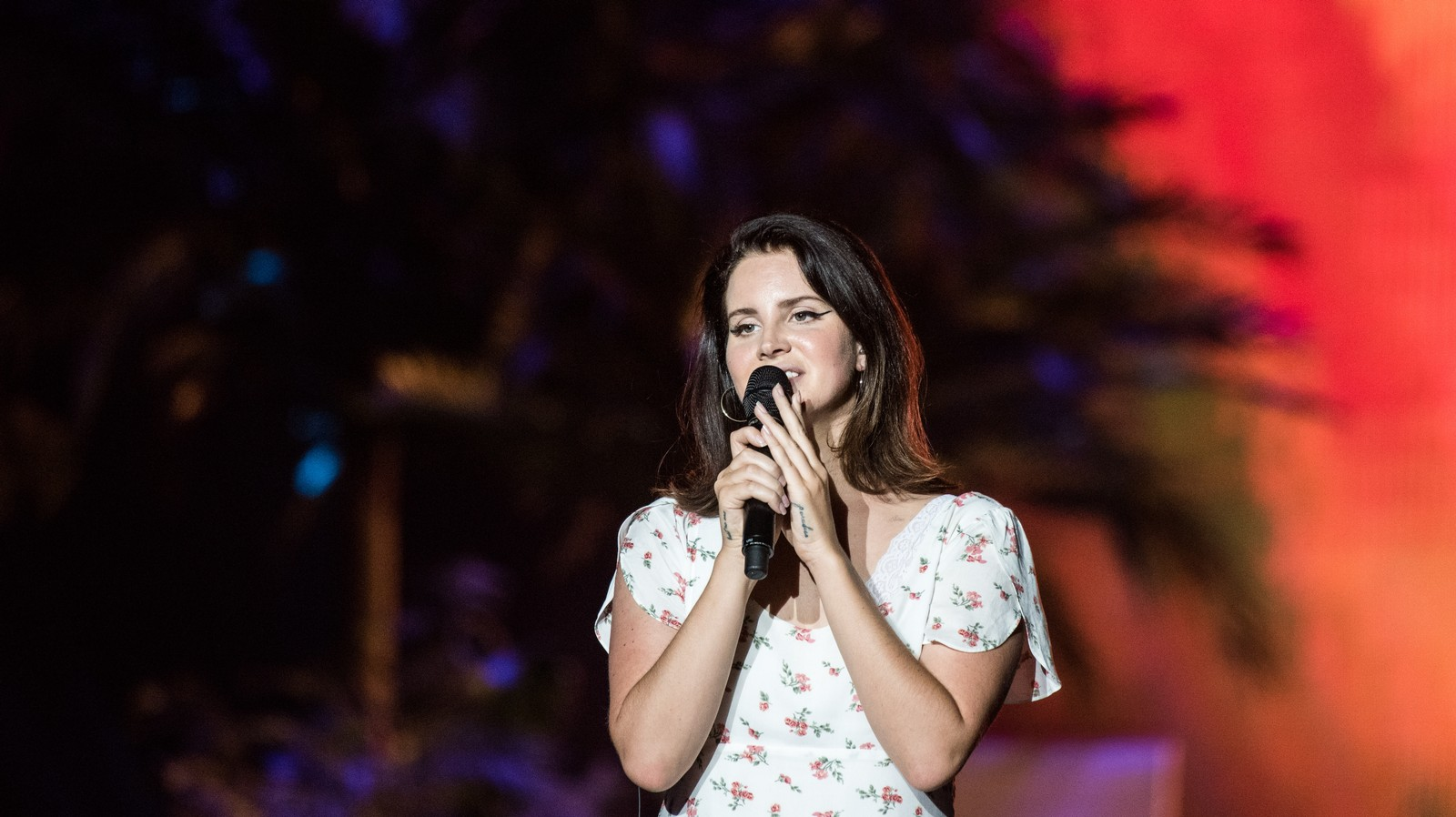 Lana Del Rey Will Never Change, and That's Why She's the Greatest