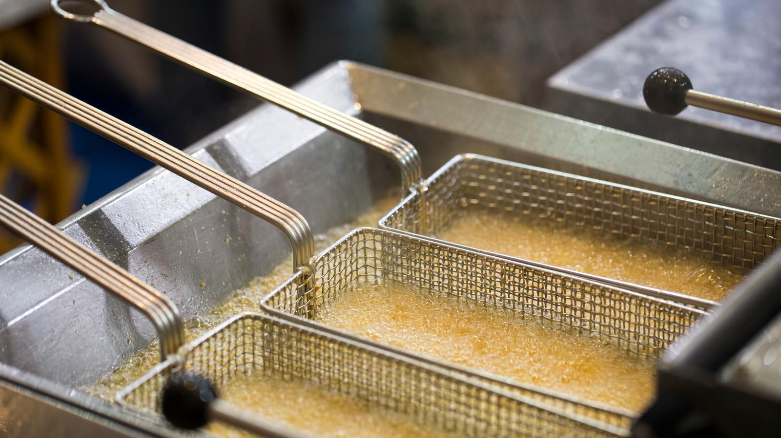 Après la couille dans le potage, la souris dans la friteuse