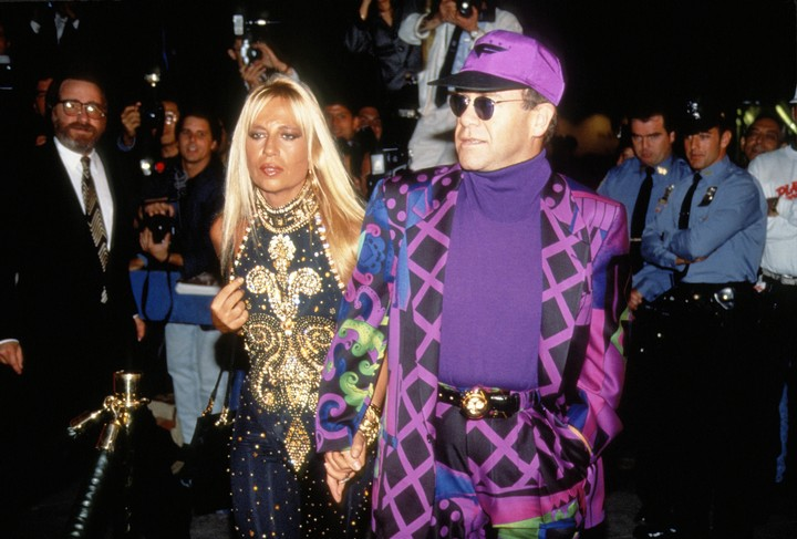 7 of donatella versace's most iconic outfits