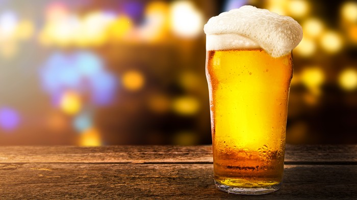 Aussie Sportswriter Charged $68,000 for Single Beer at Hotel Bar