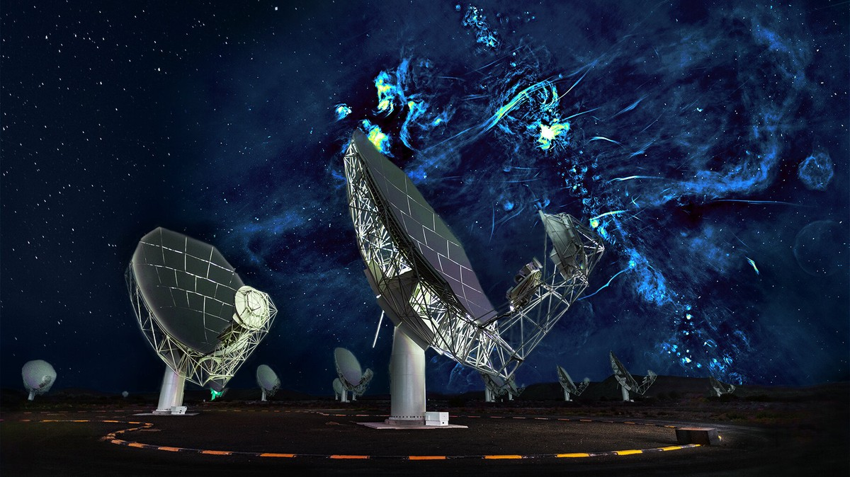 Scientists Discover Huge, Mysterious Radio Structures at the Heart of the Milky Way