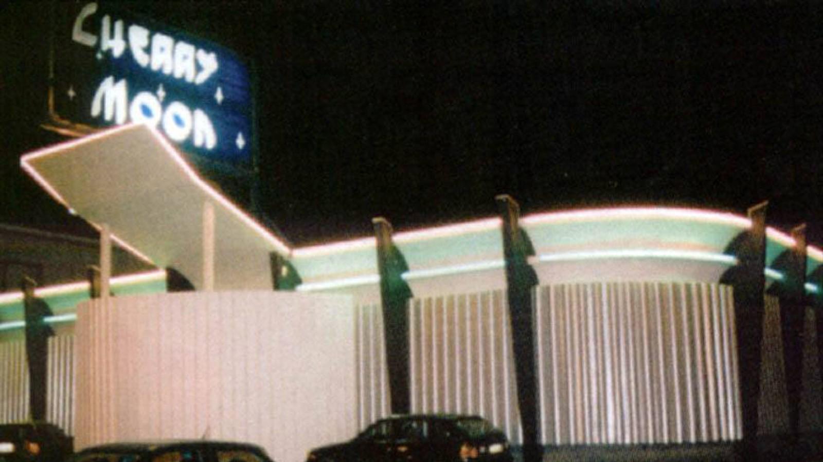On a parlé du clubbing belge des années 1990 avec les gars du Cherry Moon