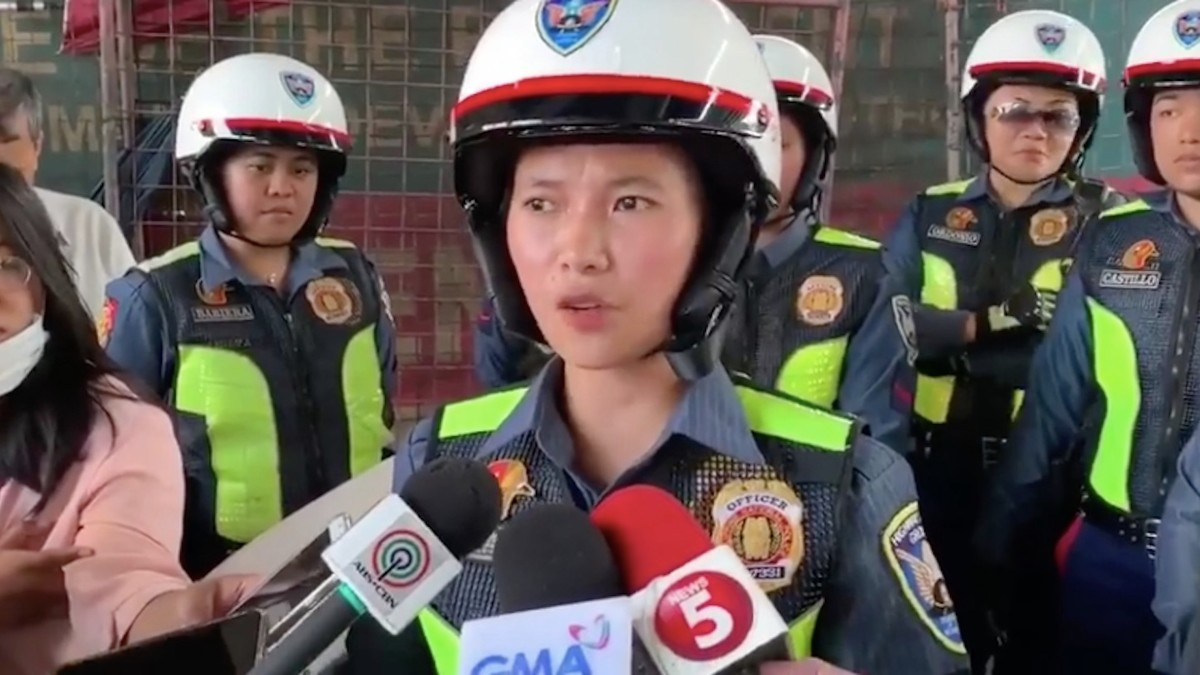 The Philippines Is Deploying 'Really Pretty' Female Officers to Distract Drivers from Traffic