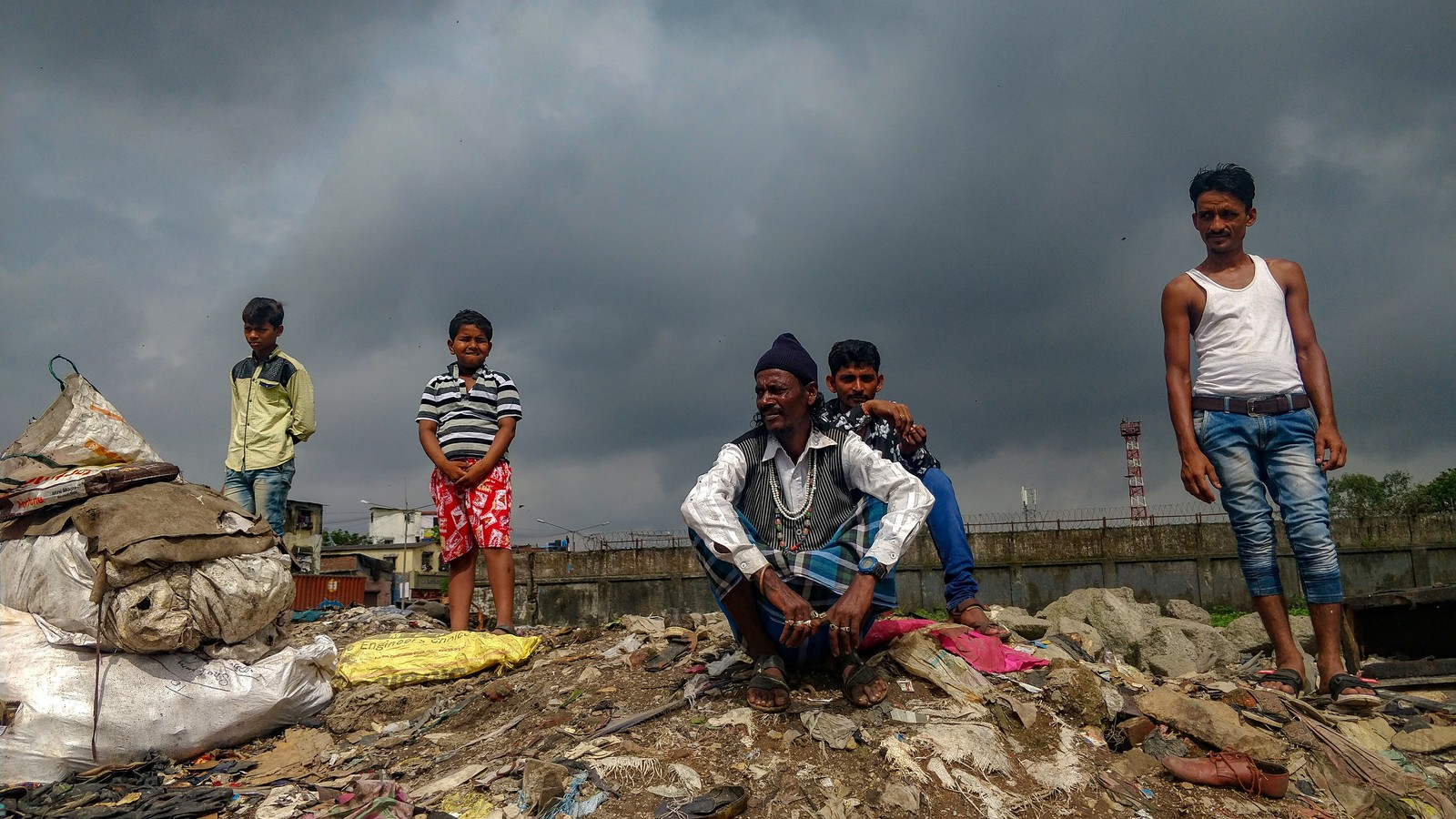 A Look at the Lives of People Separating Waste at One of Asia's Biggest Garbage Dumps