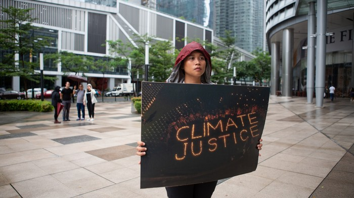 climate strikes, This badass Filipina held a solo protest in BGC for climate justice