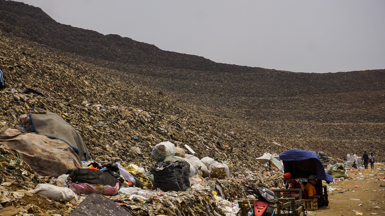 The 'World's Largest Dump' Is in Indonesia and It's a Ticking Time Bomb