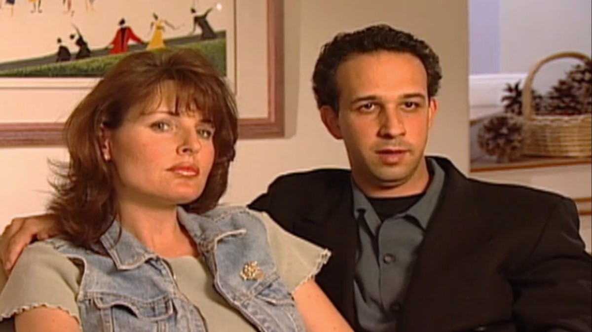 First-Ever 'House Hunters' Couple Recalls Their 'Horrific' Experience