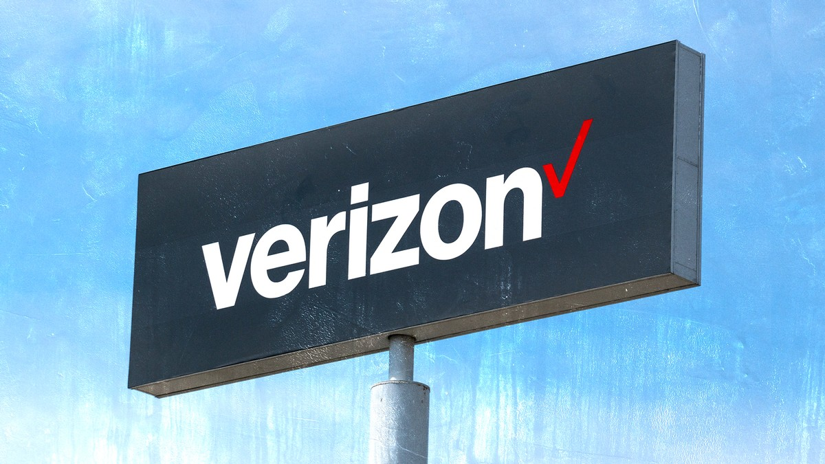 AT&T and Verizon Don't Want You To Know Where 5G Really Is