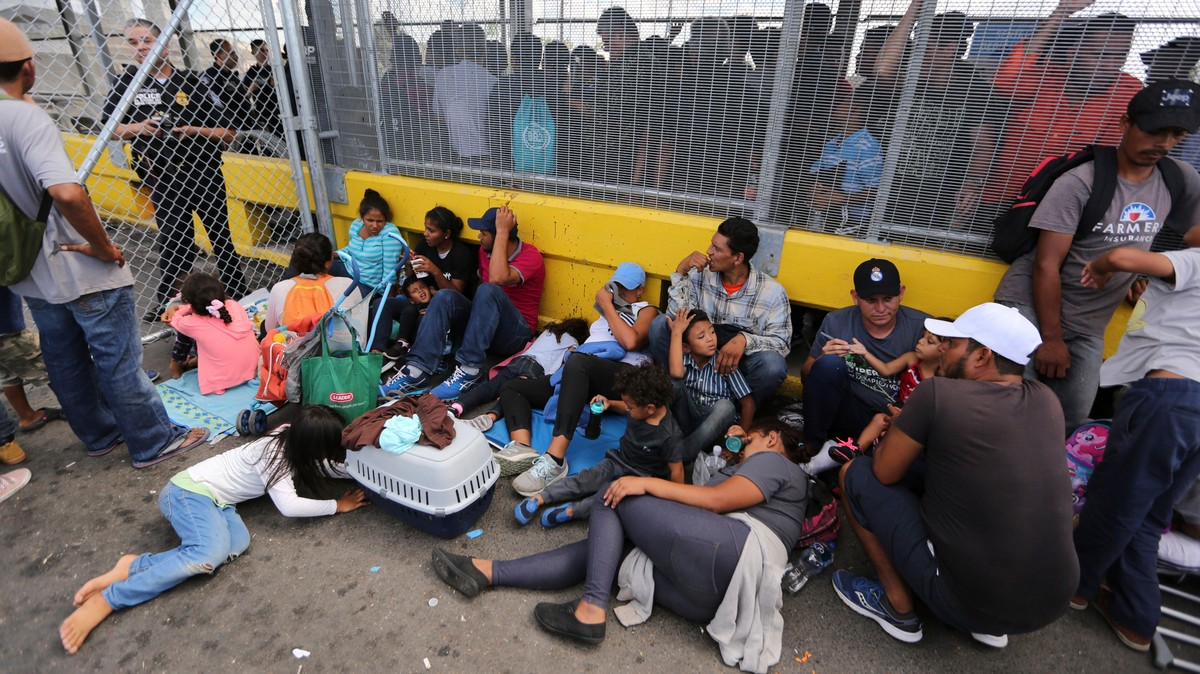 Hundreds of Migrants Just Shut Down a Bridge Between the U.S. and Mexico