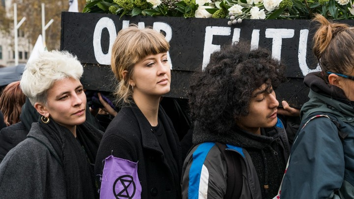 it's official: the met police broke the law by arresting extinction rebellion protesters