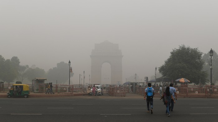 An NGO in Delhi Made Kids Run Without Masks Despite Severe Air Pollution