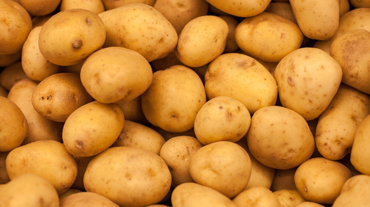 DJ Says Airline Gave Him 'Diabetic Friendly' Meal That Was Just a Pile of Potatoes