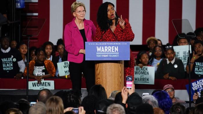 Elizabeth Warren Needs Win Over Young Black Women. Here's How That's Going.