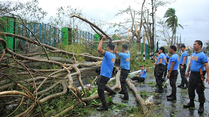 Filipinos Are Sharing Photos of Their Neighbourhoods Hit by Typhoon Kammuri