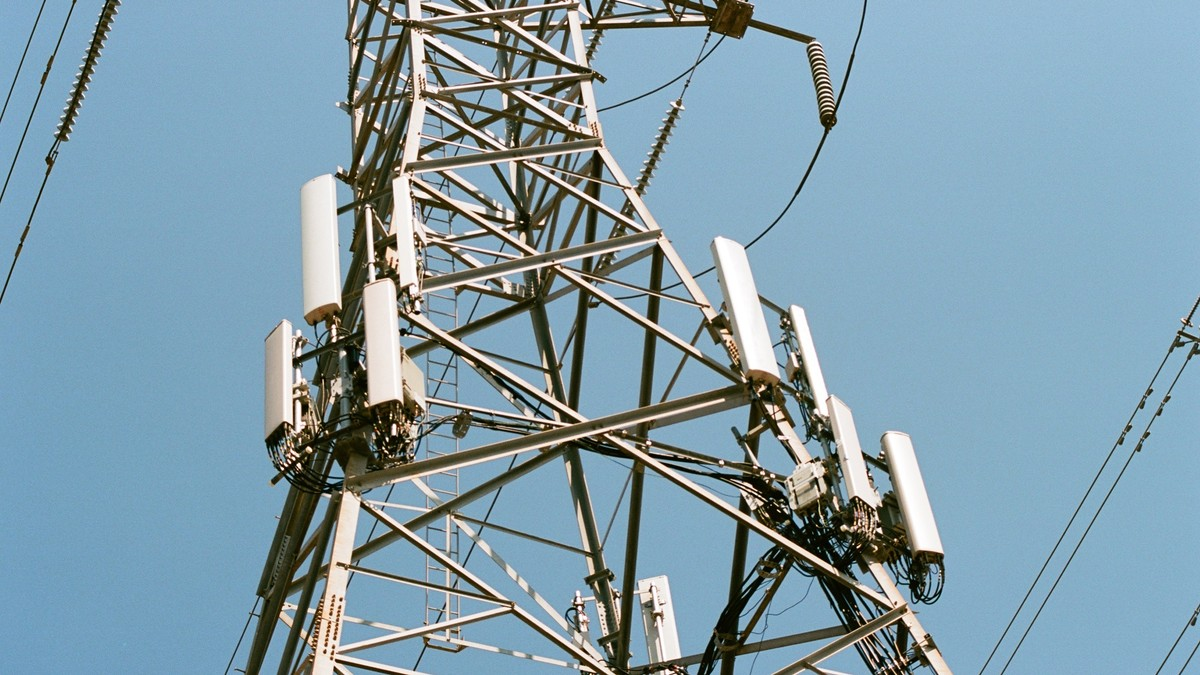 FCC Says Wireless Carriers Lie About Coverage 40% of the Time