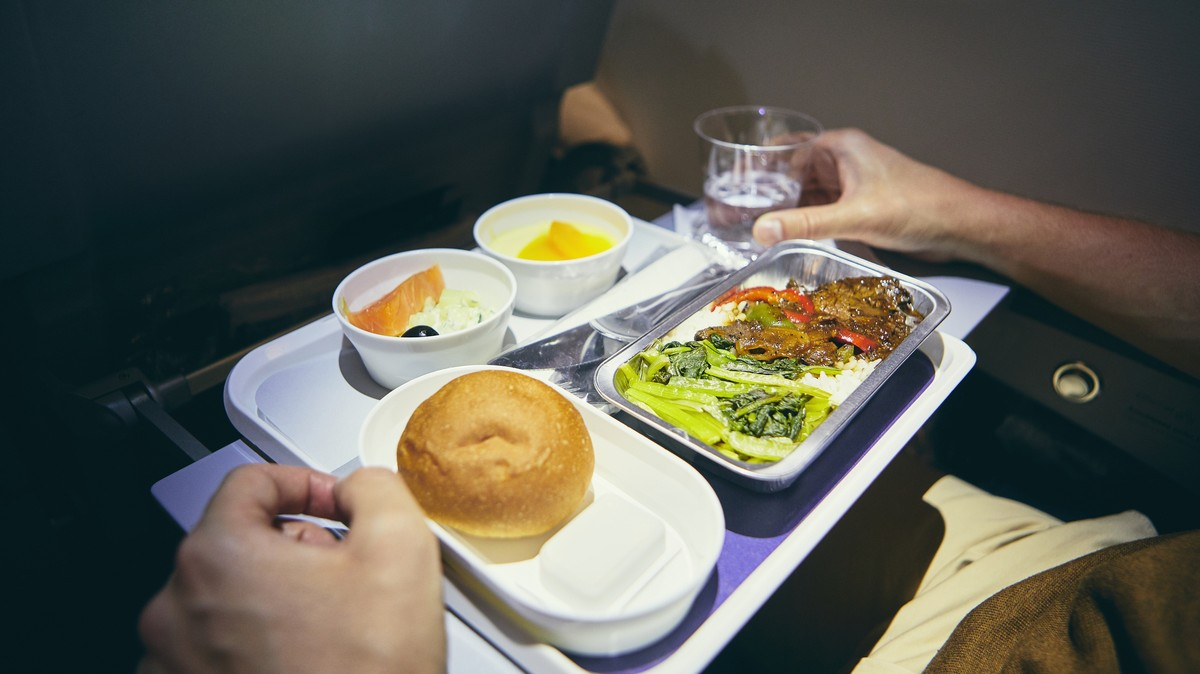 Low-Cost Airline Opens Restaurant to Prove Its Plane Food Doesn't Suck