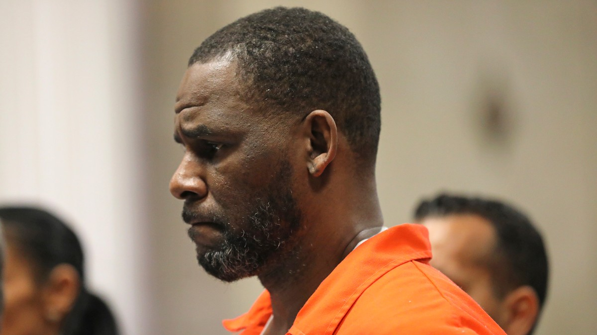 , R. Kelly Indicted for Allegedly Bribing an Official So He Could Marry 15-Year-Old Aaliyah, Saubio Making Wealth