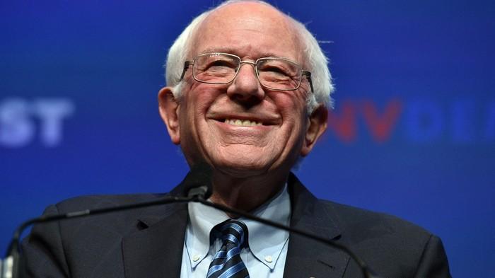 Bernie Sanders' Broadband Plan Is Comcast's Worst Nightmare