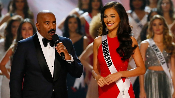 Maybe Steve Harvey Should Stop Hosting the Miss Universe Pageant
