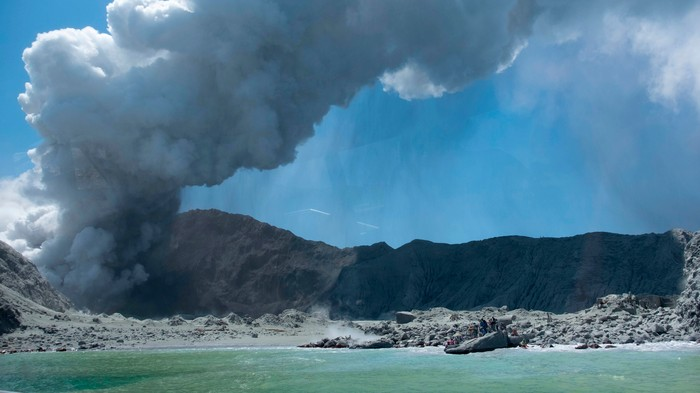 Rescuers Can't Get to New Zealand Volcano Victims Because They're Afraid of Another Eruption