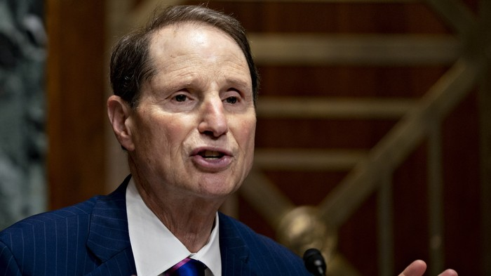Senator Wyden Asks Avast Antivirus Why it Sells Users Browsing Data