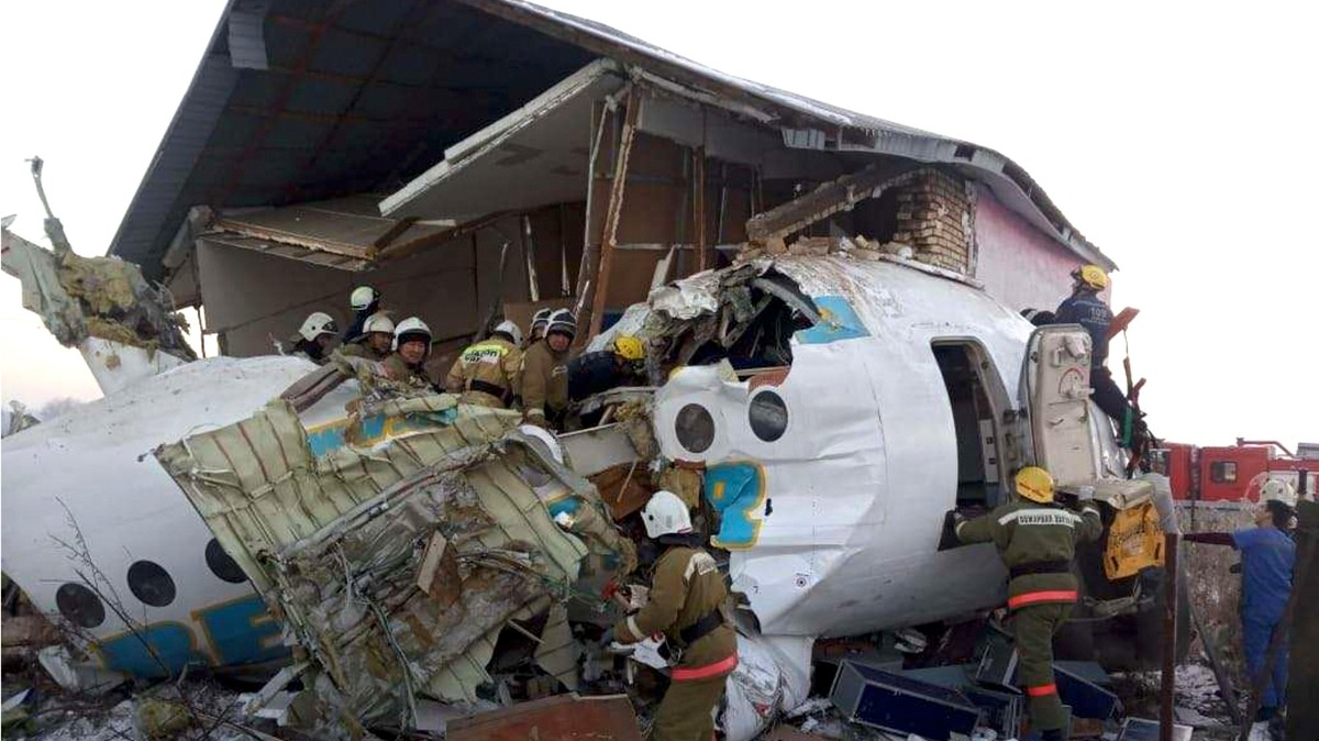 , A Plane Crashed Into a House in Kazakhstan Seconds After Takeoff and Killed At Least 12 People, Saubio Making Wealth