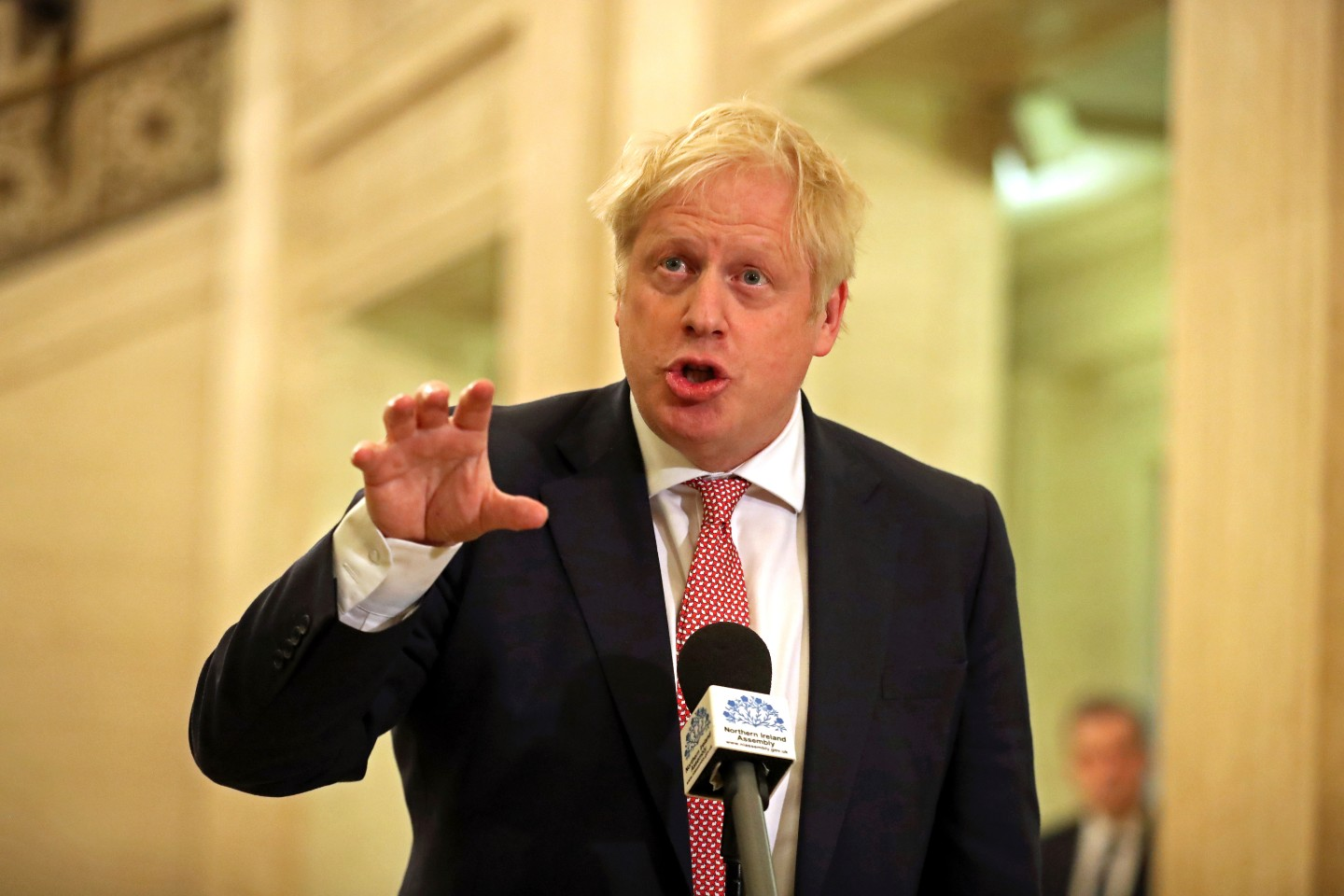 Boris Johnson Is Defying Trump on Chinese-Built 5G Networks