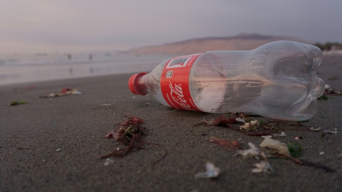 Coca-Cola Refuses to Give up Plastic Bottles Saying Customers Still Want Them