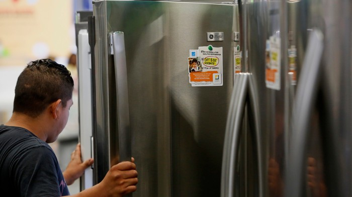 These Fridges Won't Dispense Filtered Water Unless You Pay Extra for 'Official' Filters With RFID Chips