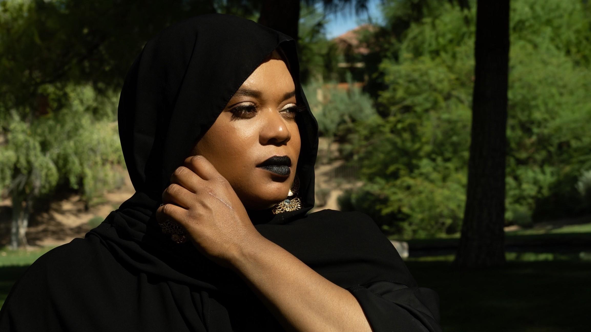 Cauta? i munca pentru femeia musulmana)