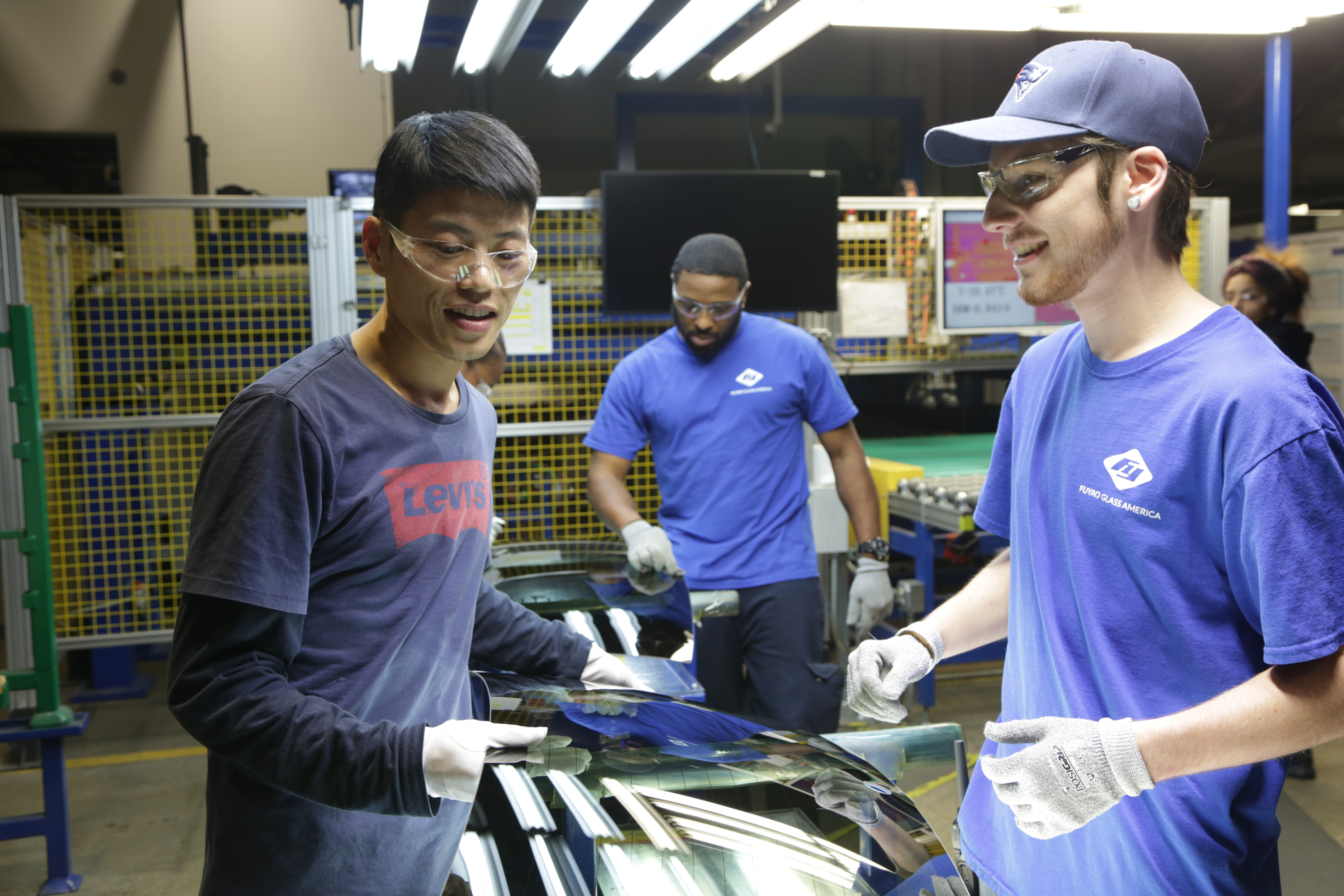 , The Obamas Backed This Oscar-Nominated Documentary. Republican Blue-Collar Workers Still Love It., Saubio Making Wealth