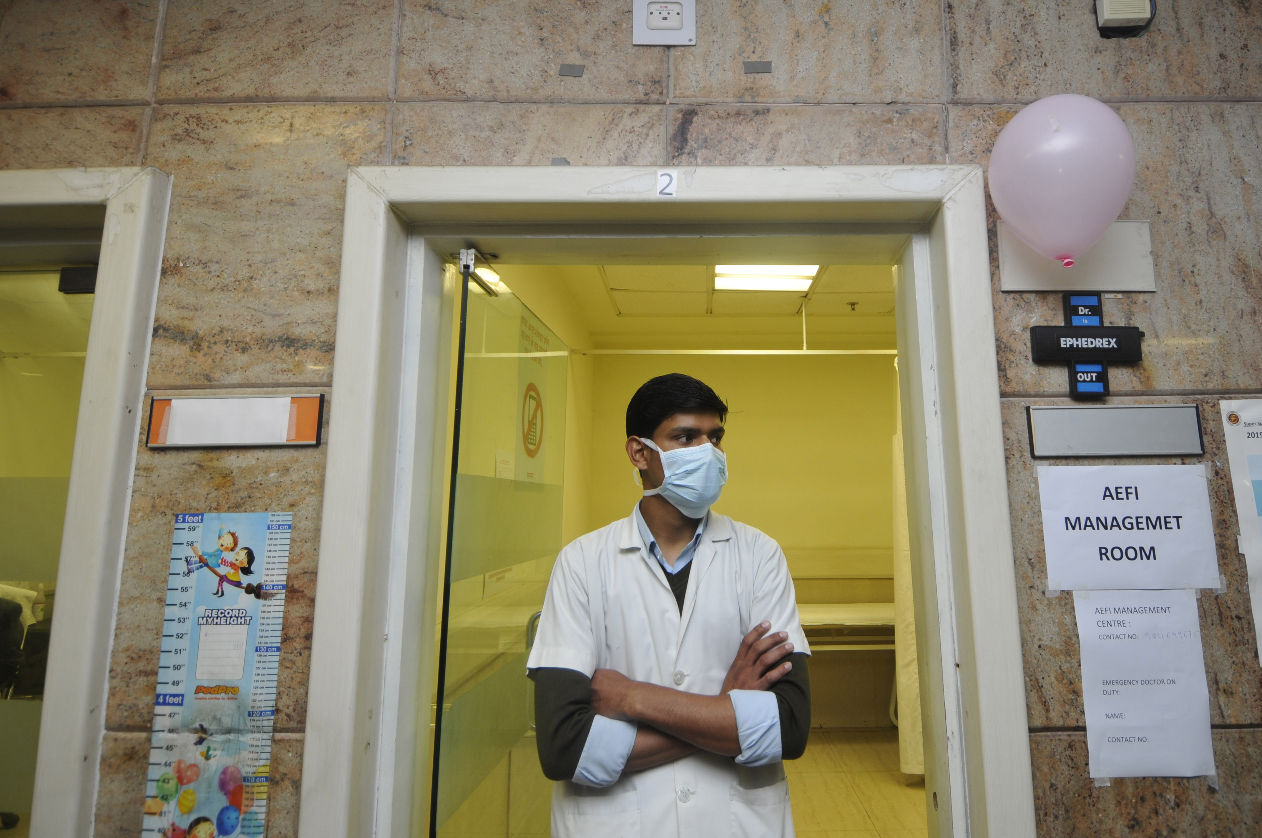 Some Doctors in India Don't Want the COVID Vaccine, Just Yet thumbnail