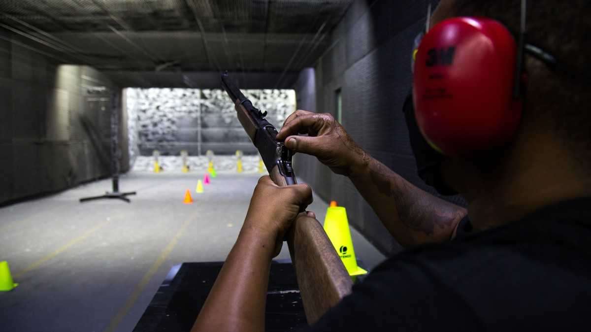Brazilians Are Buying Guns in Record Numbers With Barely Any Oversight
