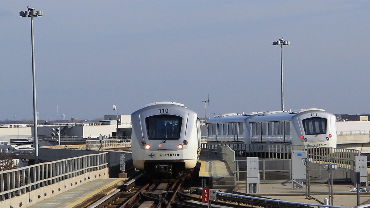 U.S. Airports No Longer Have to Build Their Own Terrible Trains