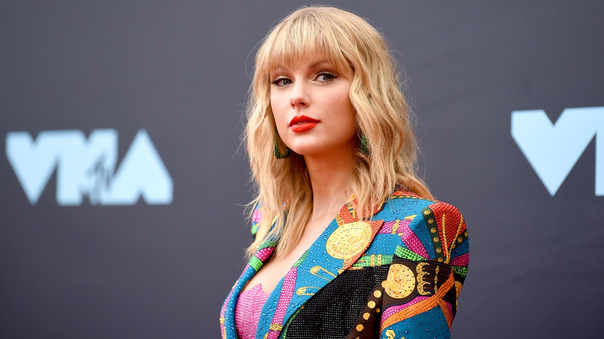vice.com: Taylor Swift's Plan to Re-Record Her Old Music Is Working Flawlessly