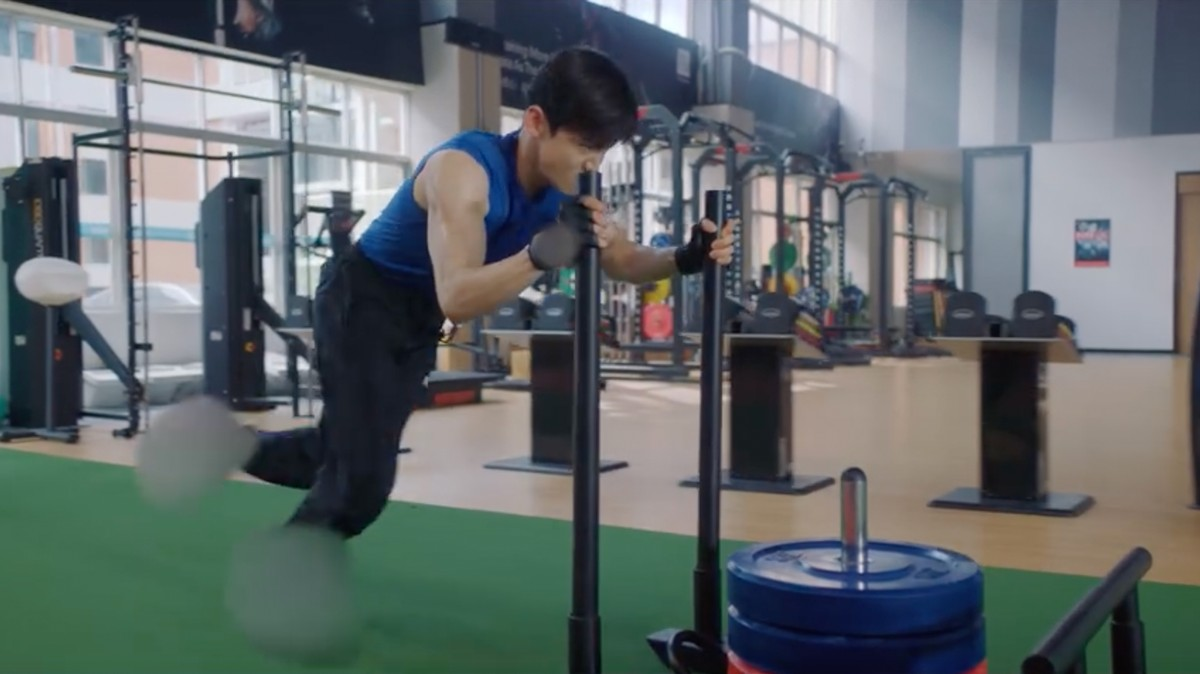 Sepatu dan Logo Nike Menjadi Buram dari Pertunjukan China