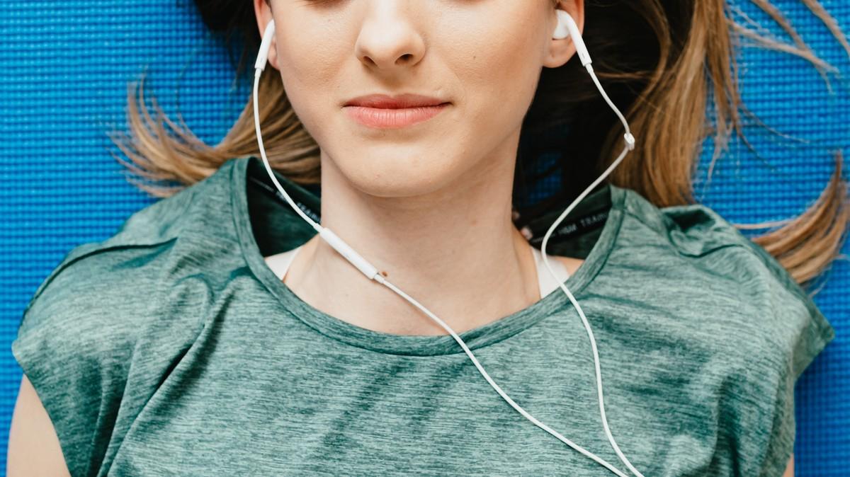 Inilah Alasan Mendengar Audio Porn Lebih Asyik Daripada Cuma Nonton Bokep