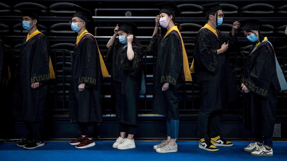 Bursa Kerja Makin Keras, Lulusan Kampus Top Tiongkok Mau Kerja Jadi ART Orang Kaya