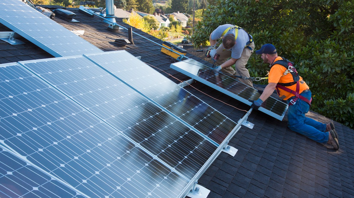 Solar Power Buildout Would Generate Billions in Economic Benefits, Create Millions of Jobs, Report Says