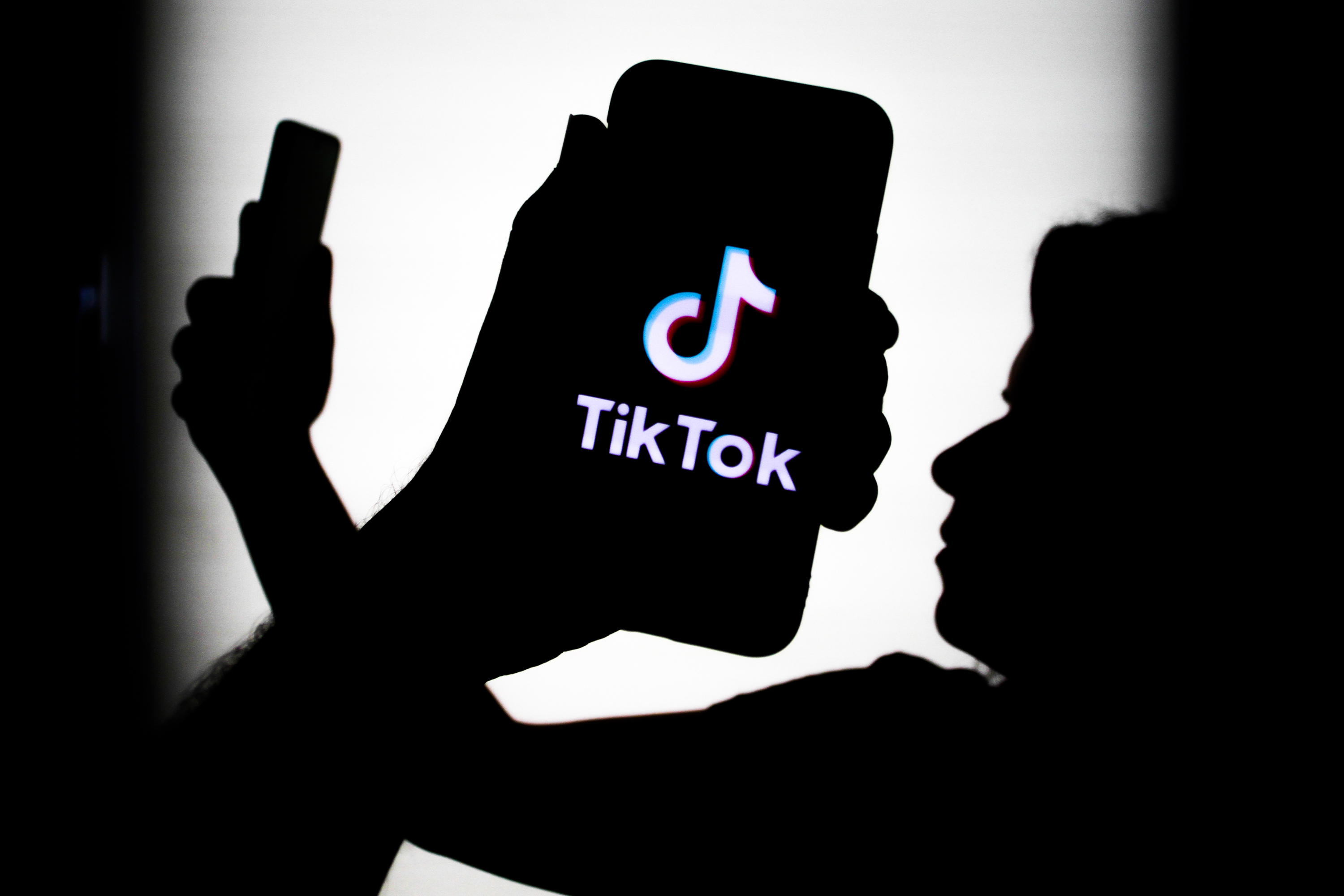 This Dangerous TikTok Challenge Just Killed a 12-Year-Old - vice