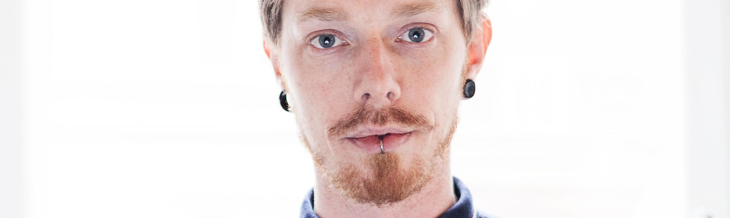 Microdozarea Persoanelor care iau LSD cu micul dejun - BBC News