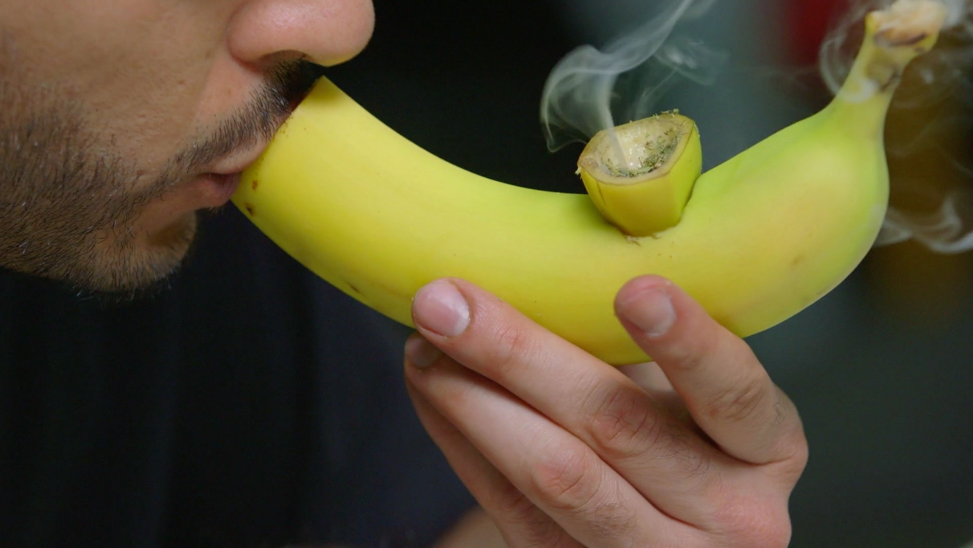 How to Make a Pipe Out of a Banana - Smokeables - VICE Video