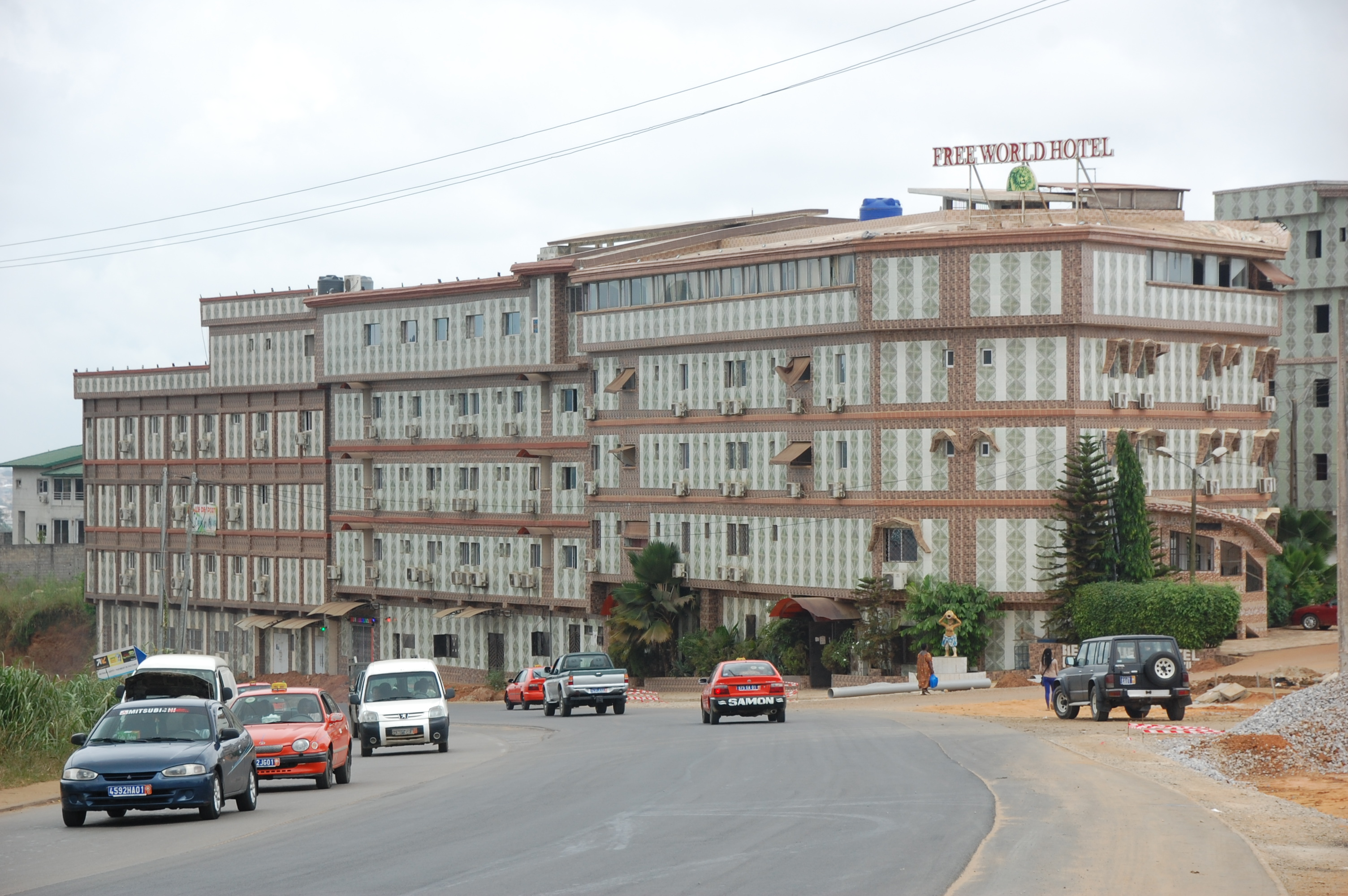 hotel Free World mafia nigériane