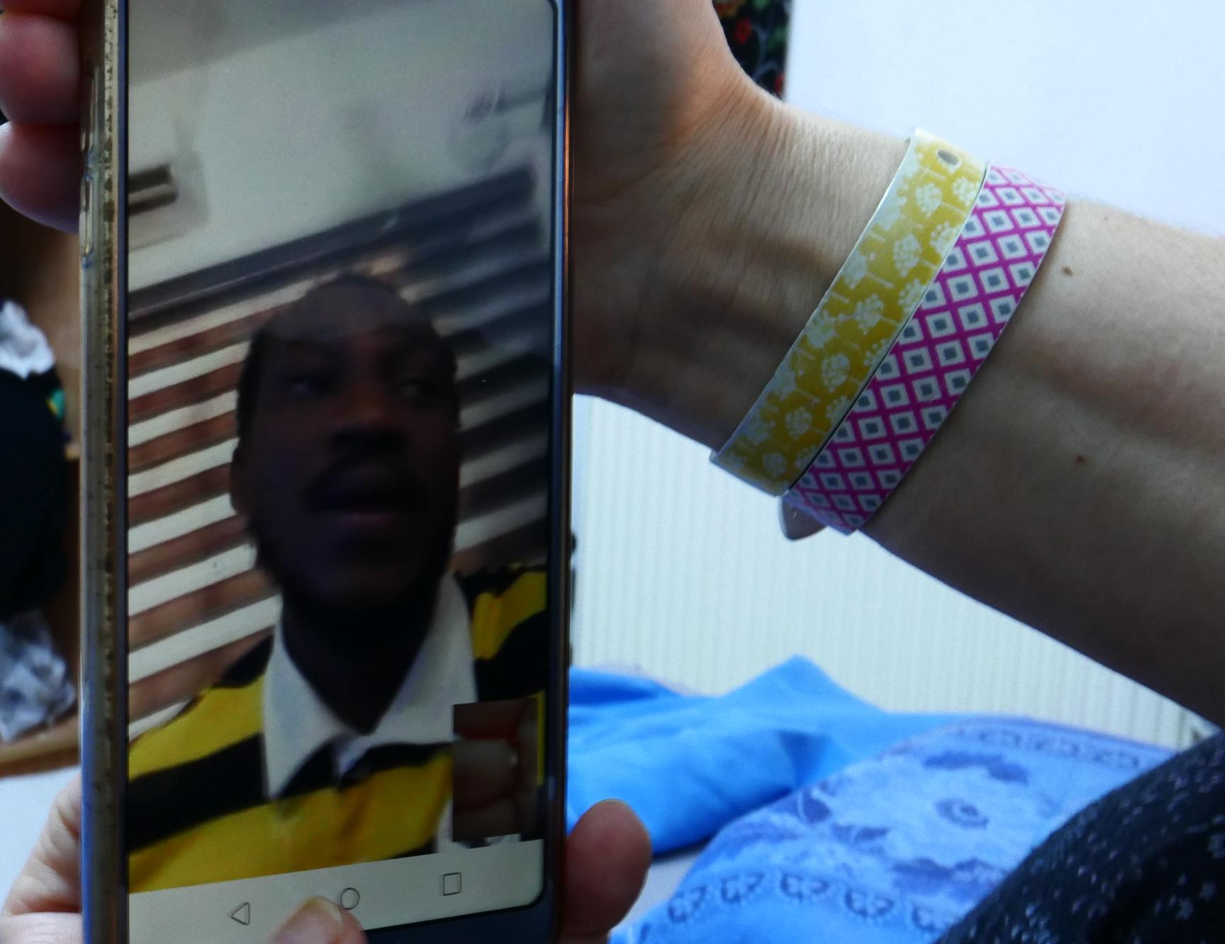 Kelvin saat Skype-an