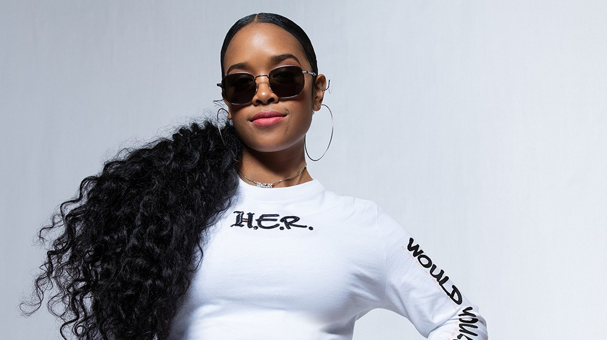 """H.E.R.: """"When I see Tommy Hilfiger, I think of Aaliyah"""""""