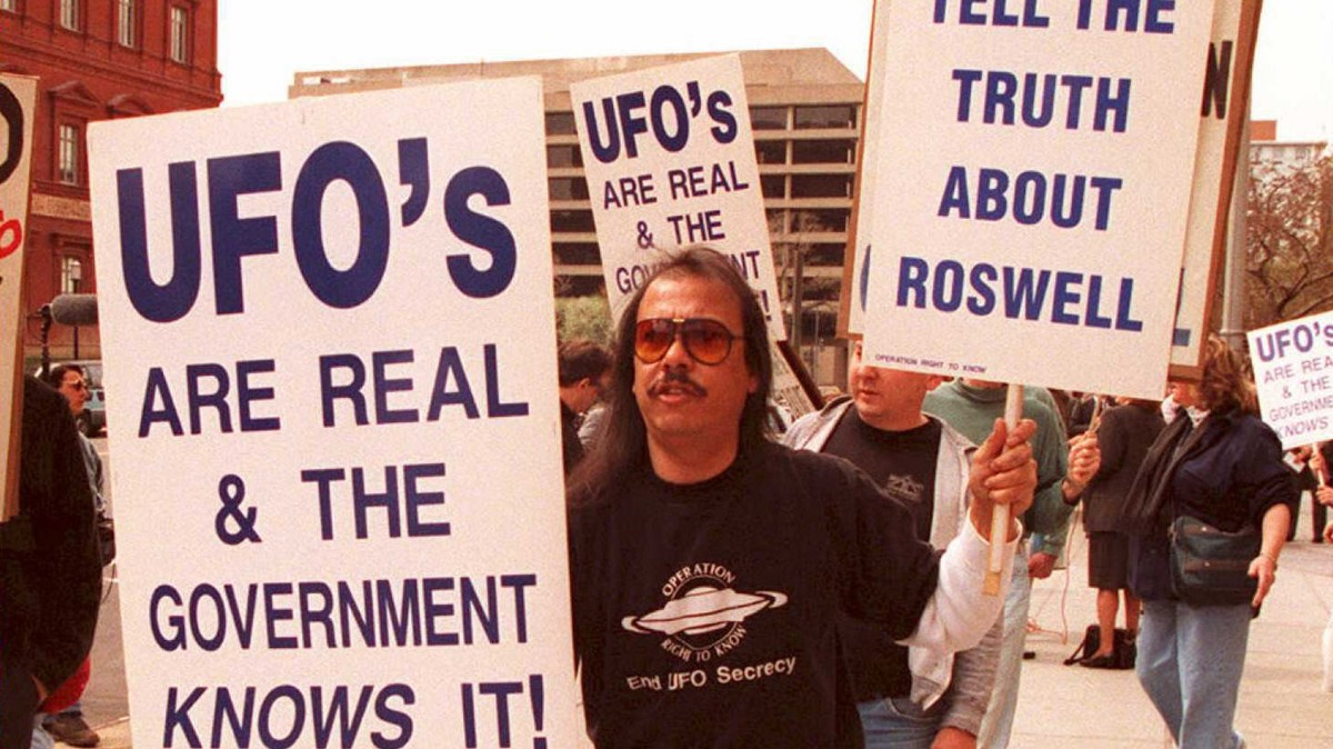 Here's Why Gallup Polled Americans About UFOs for the First Time in Decades