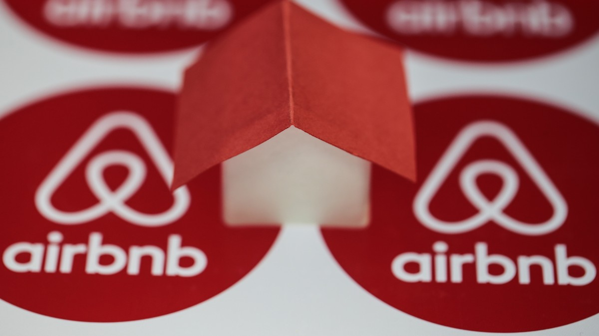 Airbnb Has Secret 'Trustworthy Scores' and This Privacy Group Is Demanding to See Them