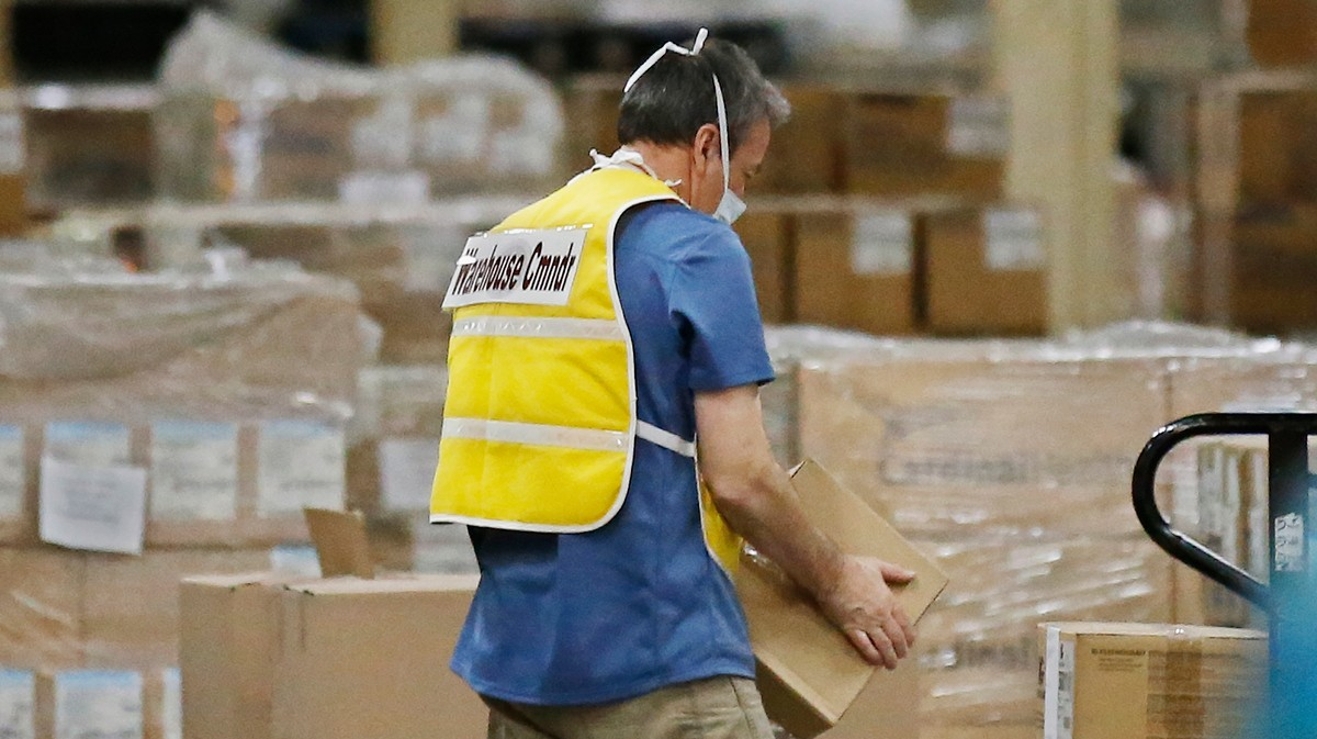 , The U.S. Is Almost Out of Its Stockpile of N95 Masks, Face Shields, and Gowns, Saubio Making Wealth